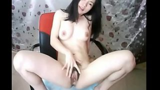 The lonely girl who is super like Zihan Shiraishi Molina in Taiwan, China talks naked with me, live video candid video, she masturbates and sprays a lot of water